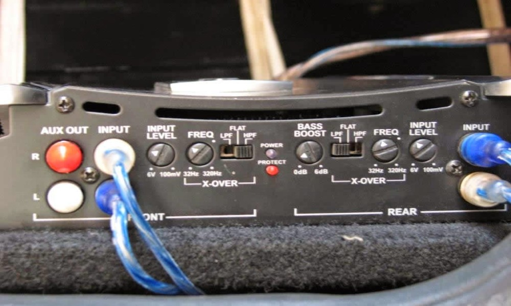 How to Adjust Car Amplifier Settings