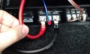 How to Hook Up a Car Amp?